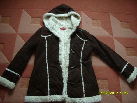 ÁRA 9000ft Megkimélt szép női kabát XL-es méretben eladó!Nagyon szép  állapotban van!Nagyon meleg.Krém színű.ÁRA 4000ft Eladó keveset használt ... 68cae6fa4c